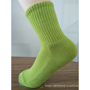 Best quality Low price for China Socks Sewing Machine,Single Cylinder  Knitting Machine Manufacturer Warm Winter Wearing Socks Made Machine supply to Mongolia Suppliers