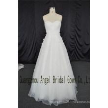 Robe de mariée en dentelle décolleté chérie appliques