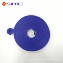Blaues, popularisiertes Klettverschlussband