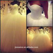 Novo projeto de bola de amostra de amostra real Sweetheart macio Beading vestido de casamento longo vestido de noiva mulheres