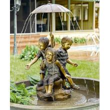moderne jardin sculpture métal artisanat garçon et fille eau fontaine statue