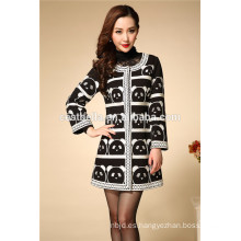2016 abrigo de manga larga vendedor caliente de las mujeres elegantes del diseño de la manera de la capa del negro del invierno de las mujeres