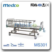 Трехручная ручная больничная койка MS301