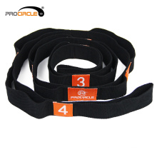 Flexibler Yoga Stretching Strap mit mehreren Grip Loops