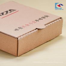 o logotipo imprimiu a caixa dobrando-se livre do pacote do papel de pizza com logotipo