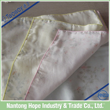 Mouchoir de coton doux et confortable de design et de couleur