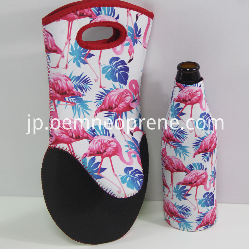 Neoprene oven mitts