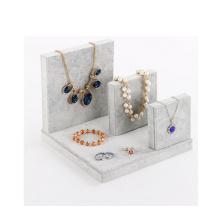 Affichage de collier de bijoux de velours gris chaud en gros (N-ST-4)