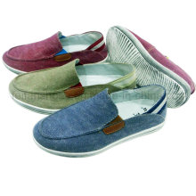 New Style Comfortable Men′s Shoes Slip-on Canvas Shoes Casual Shoes