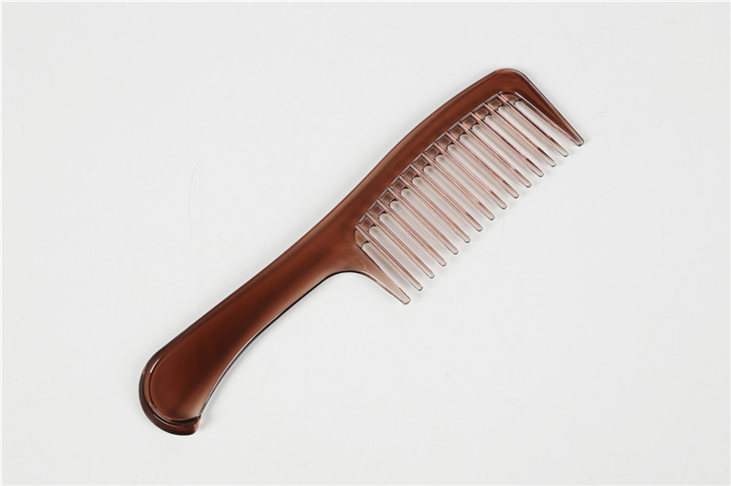 Plastic Wide Tooth Comb