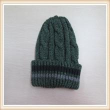 Мужчины, вязаная шапка кабель