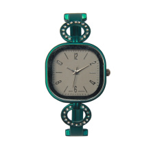 Neues Design Frauen Handgelenk Gold Armband Famale Gold Uhren für Damen