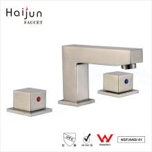 Haijun caliente vendiendo la cubierta cUpc montado 3 agujeros doble mango grifo del baño