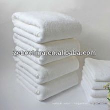 Logo personnalisé de luxe disponible en gros coton serviette de chambre d'hôtel