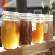 La miel real dorada real da energía