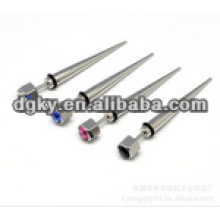 Cores de pedra de diamante cirúrgico de aço orelha piercing cônico