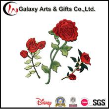 Parche bordado floral para la decoración de la ropa