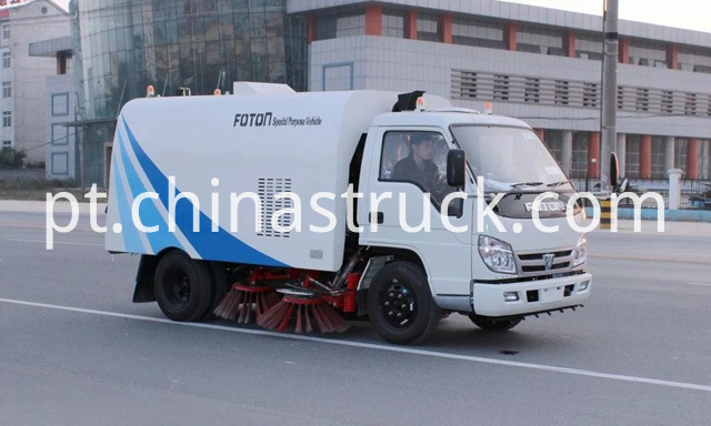 Foton road sweeper