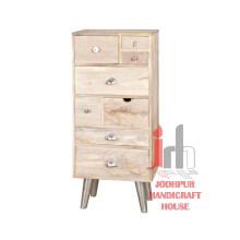 Cabinet en bois naturel