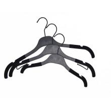 New custom made logo baby kids hanger recyle plastic for shirts