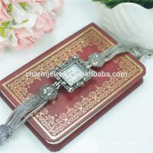 Art und Weise elegante neue Dame-Luxuxquarz-Legierungs-Armbanduhren B023