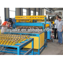 Automatic wire welding machine in coil/roller