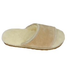 OEM for China Mens Winter House Slippers,Winter Outdoor Slippers Mens,Mens Winter Slippers For Home Supplier Comfortable warm fuzzy men slippers indoor use export to Svalbard and Jan Mayen Islands Exporter