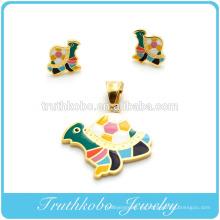 Alto pulido Animal lindo forma de tortuga multicolor esmalte de acero inoxidable pendiente del perno prisionero colgante conjunto de joyas de diseño para mujeres