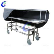 Cadavre de morgue d'acier inoxydable d'hôpital avec la couverture