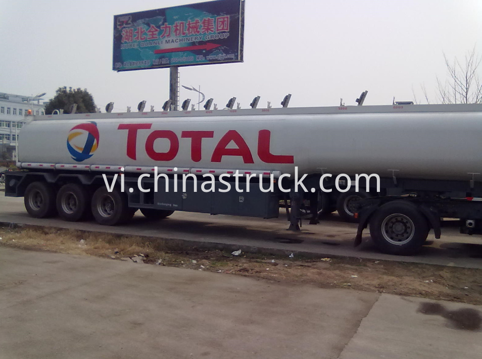11 compartments fuel tank semi-trailer for TOTAL