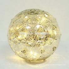 Hacer la batería LED iluminado hasta bolas de Navidad