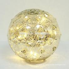 Faça a bateria LED aceso ACIMA Bolas de Natal
