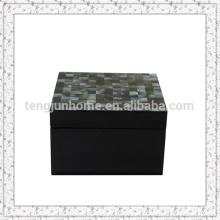 Caixa de jóias preta