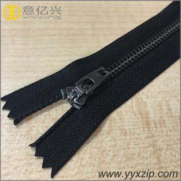 No.4 fecho fechado YG slider metal bronze zipper