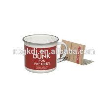 Clavada para la taza del esmalte de la victoria Clavada para la taza del esmalte de la victoria