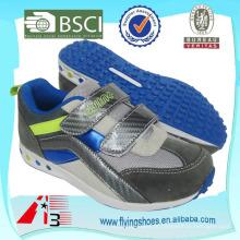 Alto salto calça sapatos VELCRO para criança com sola de alta qualidade