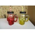 Mini-tasse en verre ou tasse avec poignée, ranger vitre de maçonnerie