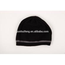 mongilia intérieur tricotant le chapeau d'hiver de cachemire