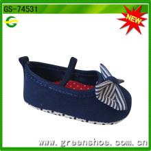 Cómodo estilo bueno para usar zapatos populares de niña