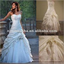 Vestido de noiva de modelo real de bordado impressionante