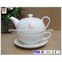 2015 nuevo diseño de porcelana de té blanco tetera y taza de té platillo conjunto
