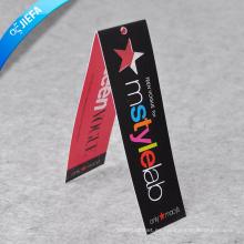 Etiqueta colgante plegada personalizada para la ropa