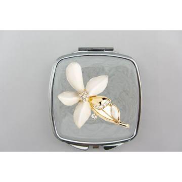 Espelhos compactos de flor branca
