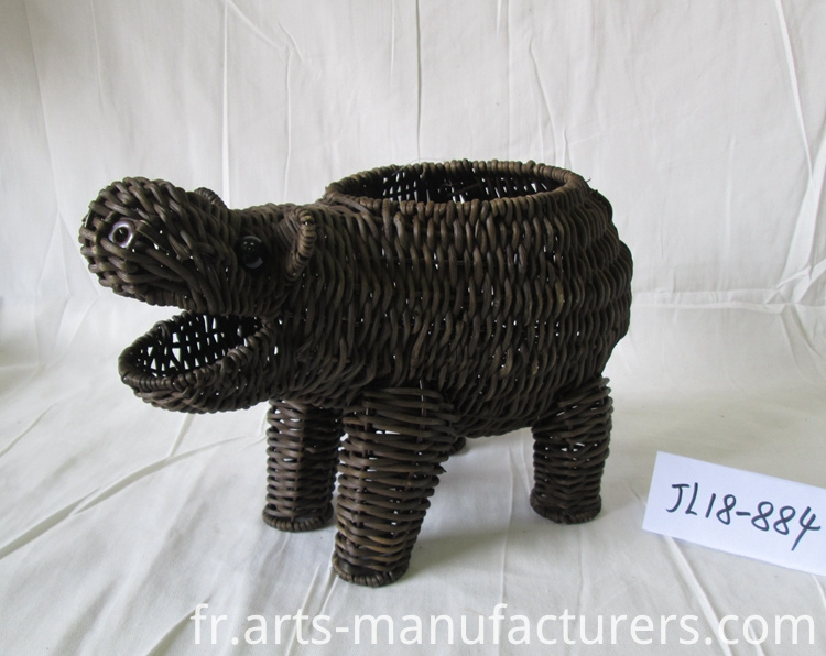Weaving hippo shape basket