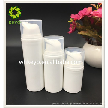 A venda quente de alta qualidade de 15ml / 30ml / 60ml compõe a garrafa sem ar branca da loção da bomba dos PP do cosmético vazio colorido