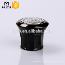 black zamac cap with diamond painting