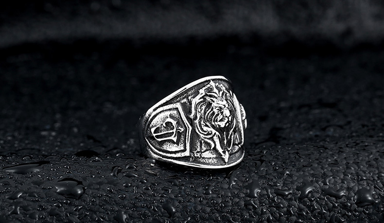 lion badge ring