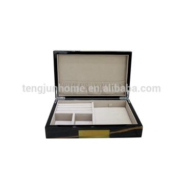 Boîte à bijoux avec insert en mousse