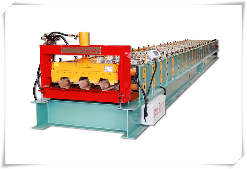 Floor deck roll equipment