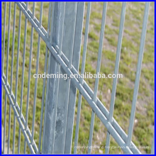 alibaba DM high quality iron wire mesh fence